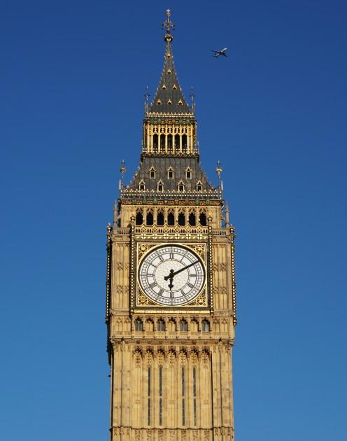 London_0019_Big Ben & plane